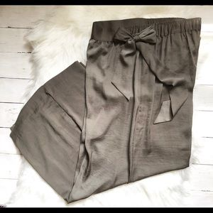 Banana Republic wide leg pull-on pants size 4